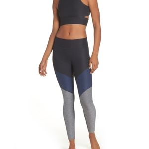 Outdoor Voices 7/8 Springs Leggings, Small